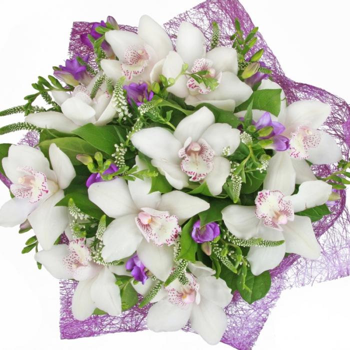 Фото красивых букетов цветов из орхидей